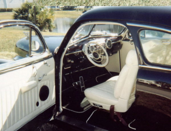 1941 CADILLAC SERIES 61 FASTBACK COUPE - Interior - 19655