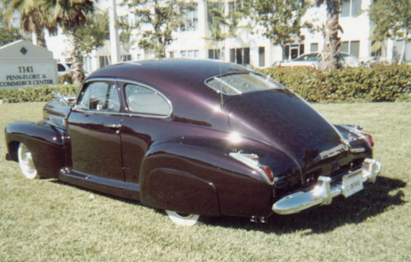 1941 CADILLAC SERIES 61 FASTBACK COUPE - Rear 3/4 - 19655