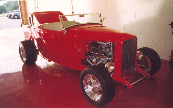 1932 FORD CONVERTIBLE - Front 3/4 - 19663