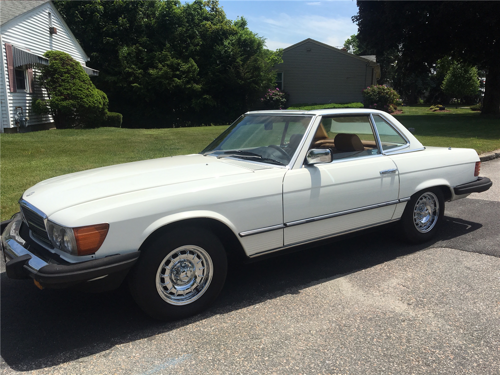 1982 mercedes benz 380 sl convertible 197040. Black Bedroom Furniture Sets. Home Design Ideas