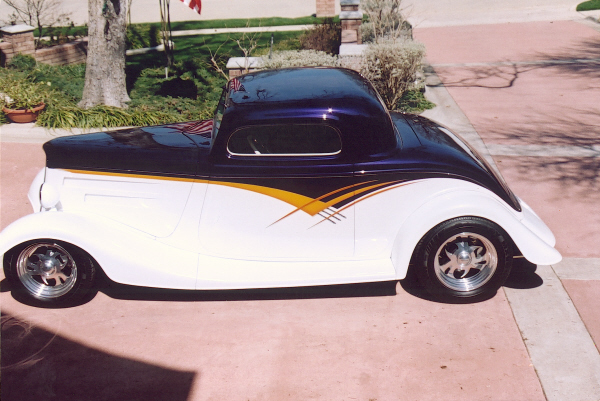1934 FORD 3 WINDOW COUPE - Side Profile - 19706