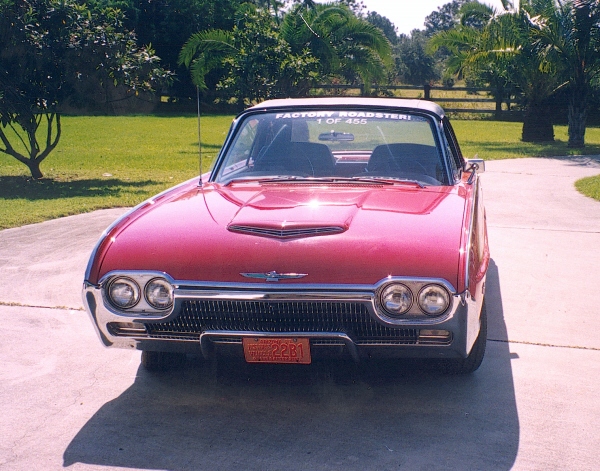 1963 FORD THUNDERBIRD CONVERTIBLE - Front 3/4 - 19748