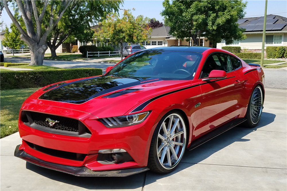 2015 ford mustang gt custom coupe front 3 4 198511. Black Bedroom Furniture Sets. Home Design Ideas