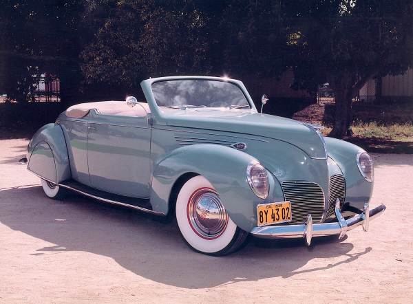 1938 LINCOLN ZEPHYR CONVERTIBLE COUPE - Front 3/4 - 19878