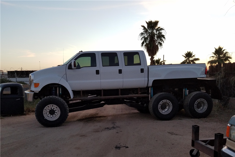 2004 FORD F-650 CUSTOM PICKUP - 198836