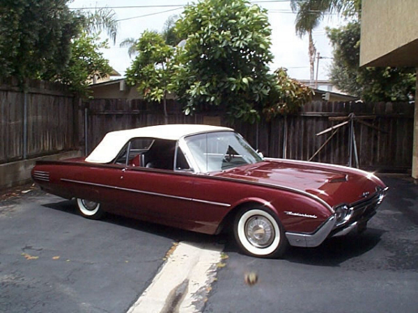 1961 FORD THUNDERBIRD CONVERTIBLE - Front 3/4 - 19892