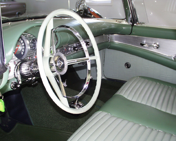 1957 FORD THUNDERBIRD CONVERTIBLE - Interior - 19905