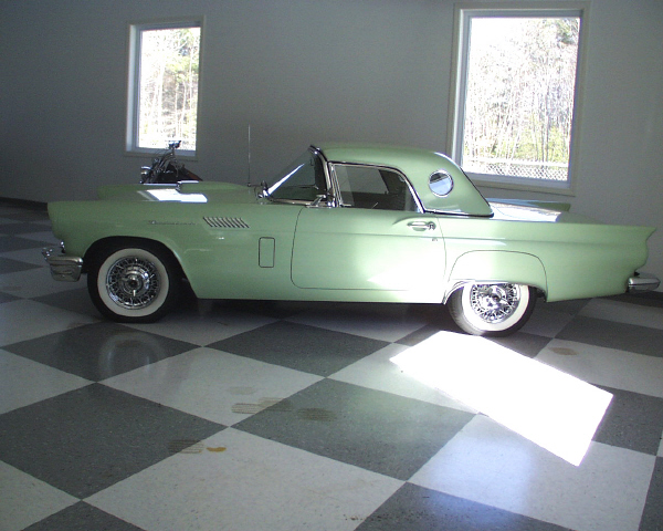 1957 FORD THUNDERBIRD CONVERTIBLE - Side Profile - 19905