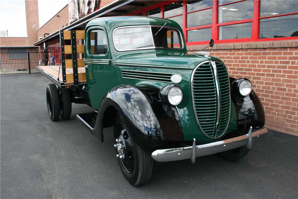 1938 FORD STAKE BED TRUCK - 199247
