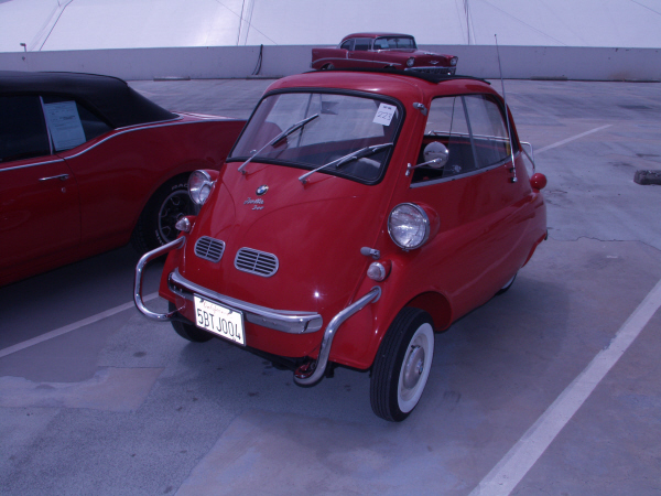 1957 BMW ISETTA 300 COUPE - Front 3/4 - 19927