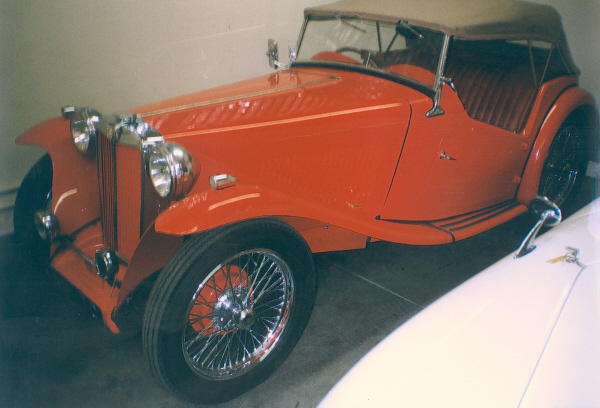 1948 MG TC CONVERTIBLE - Front 3/4 - 19933