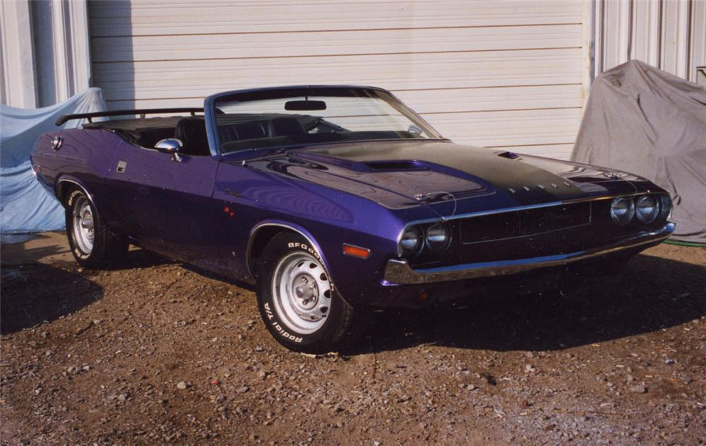 1970 DODGE CHALLENGER R/T CONVERTIBLE - Front 3/4 - 20014