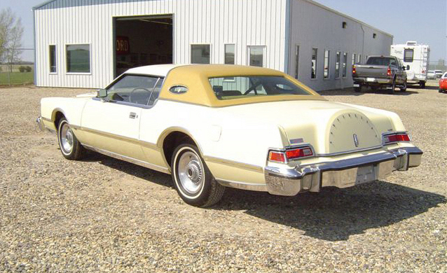 1976 LINCOLN CONTINENTAL MARK IV HARDTOP - Rear 3/4 - 20017