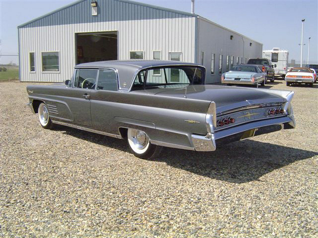 1960 LINCOLN CONTINENTAL MARK V 2 DOOR HARDTOP - Rear 3/4 - 20019