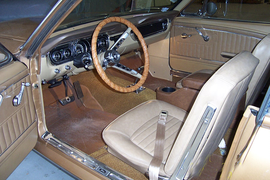1965 FORD MUSTANG GT COUPE - Interior - 20020