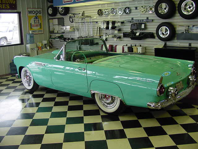 1955 FORD THUNDERBIRD CONVERTIBLE - Rear 3/4 - 20024