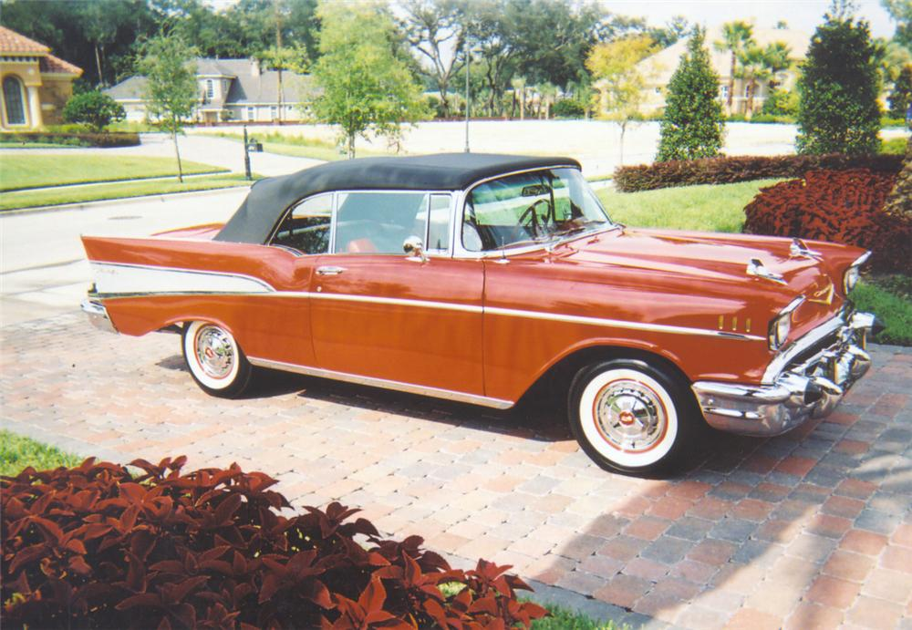1957 CHEVROLET BEL AIR CONVERTIBLE - Front 3/4 - 20043