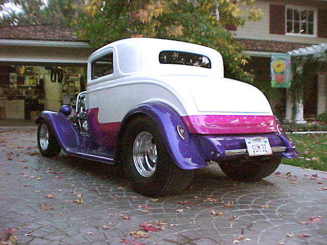 1932 FORD 3 WINDOW COUPE - Rear 3/4 - 20045