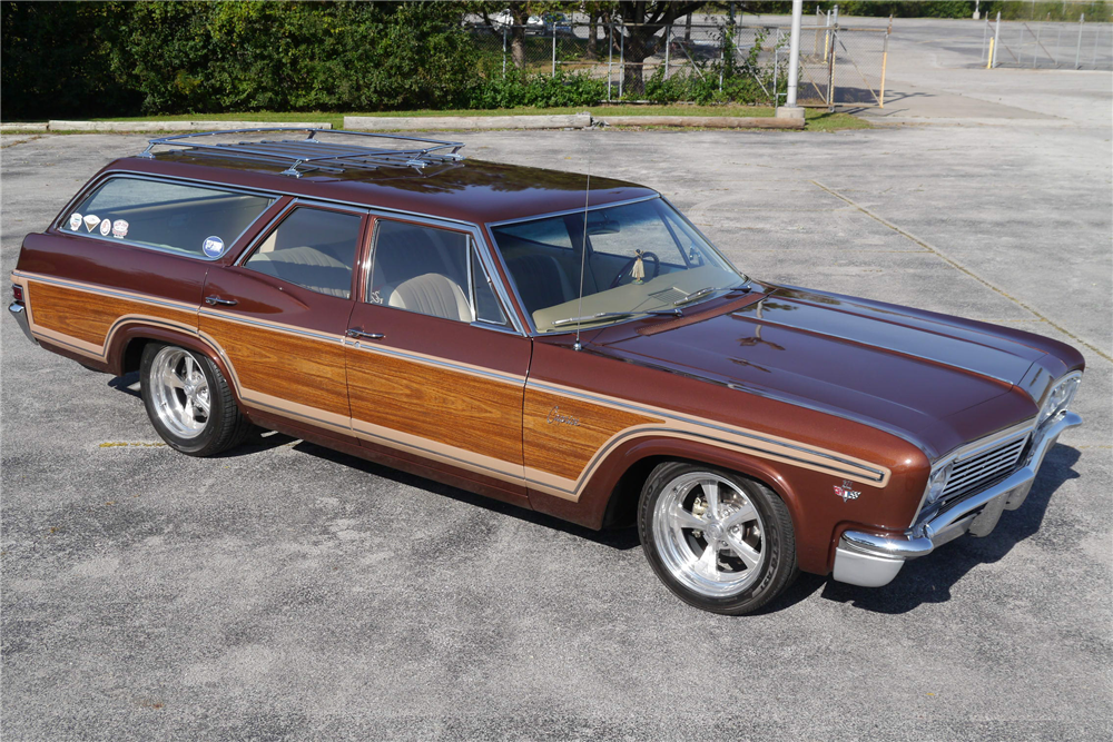 1966 CHEVROLET CAPRICE CUSTOM WOODY WAGON - 200495