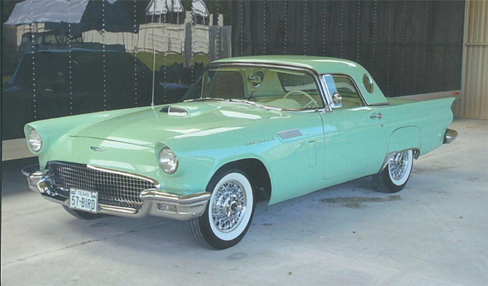 1957 FORD THUNDERBIRD CONVERTIBLE - Front 3/4 - 20092