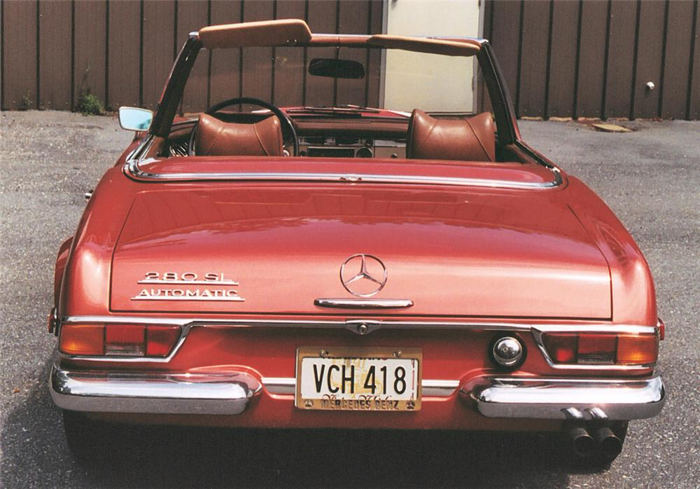 1969 MERCEDES-BENZ 280SL CONVERTIBLE - Rear 3/4 - 20100