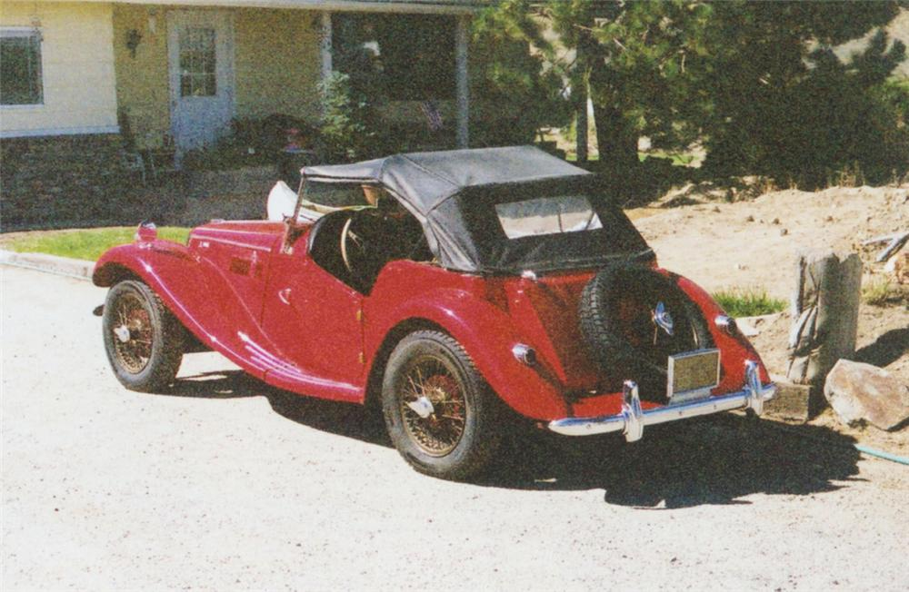 1955 MG TF CONVERTIBLE - Rear 3/4 - 20102