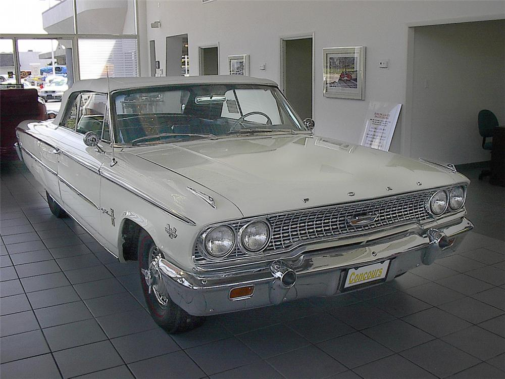 1963 FORD GALAXIE CONVERTIBLE - Front 3/4 - 20134