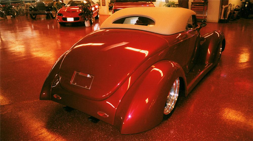 1937 FORD CONVERTIBLE - Rear 3/4 - 20149