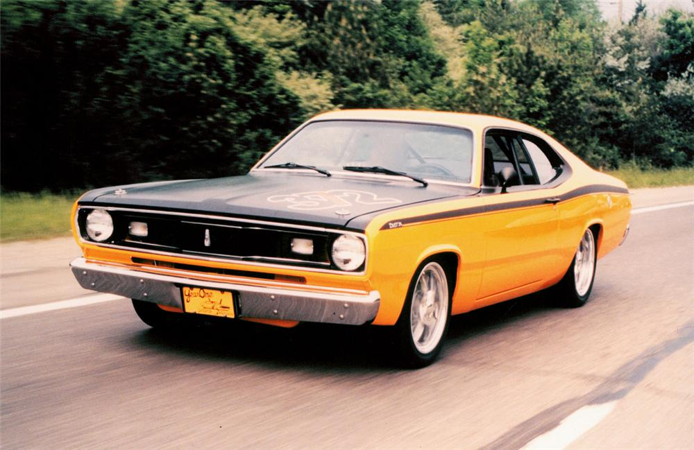 1971 PLYMOUTH VALIANT DUSTER HARDTOP - Front 3/4 - 20198