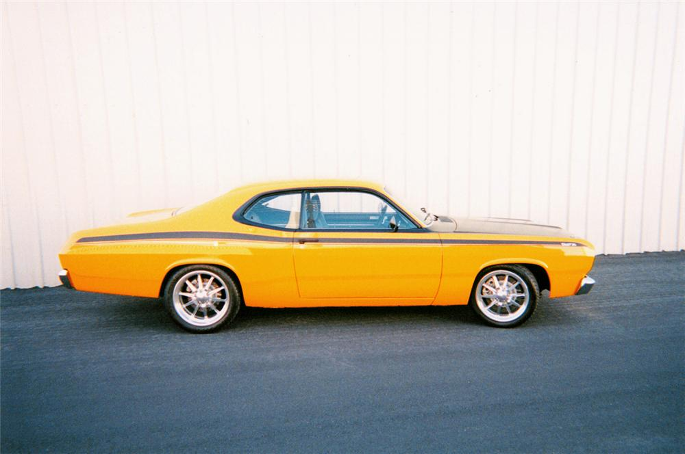1971 PLYMOUTH VALIANT DUSTER HARDTOP - Side Profile - 20198