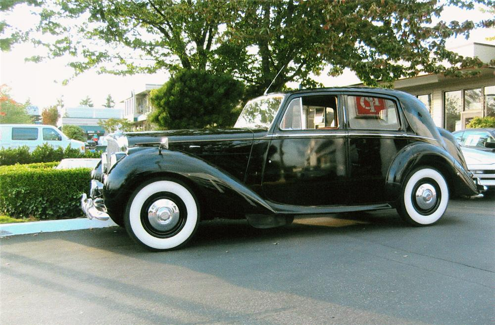 1951 BENTLEY MARK VI SALOON - Side Profile - 20202