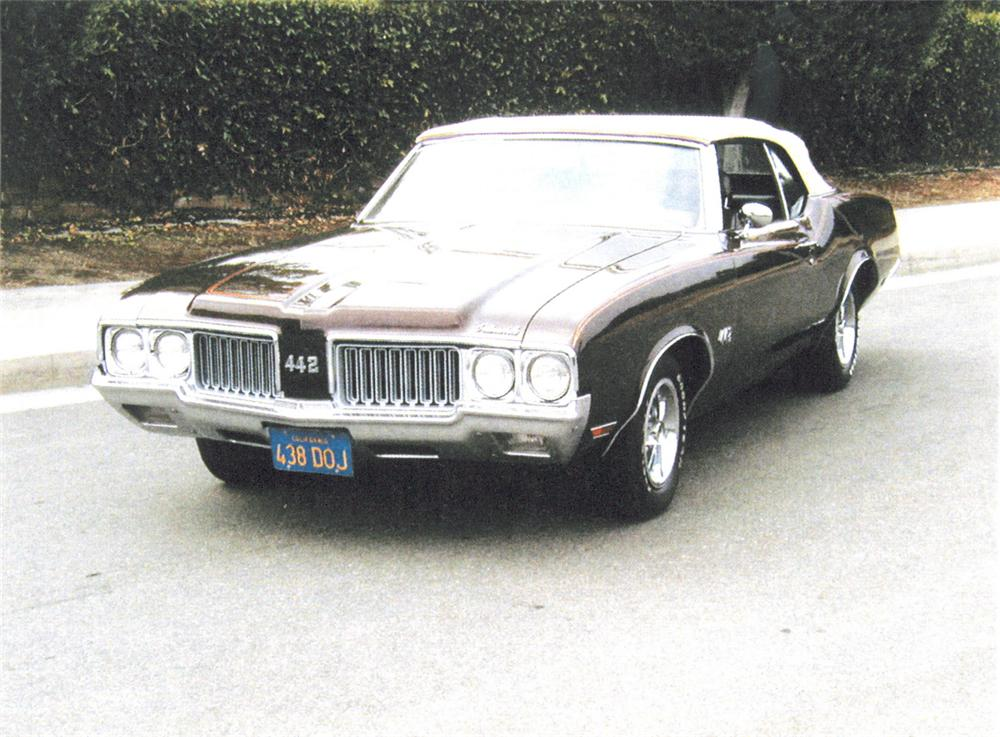 1970 OLDSMOBILE 442 CONVERTIBLE - Front 3/4 - 20210
