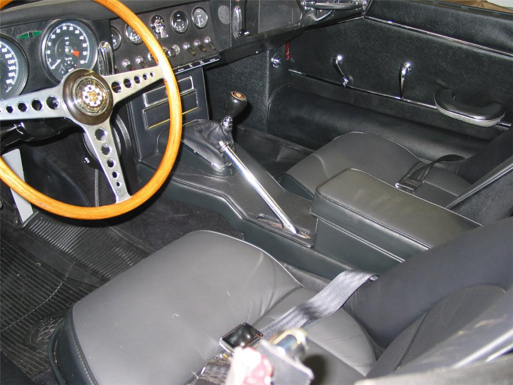 1964 JAGUAR XKE ROADSTER - Interior - 20214