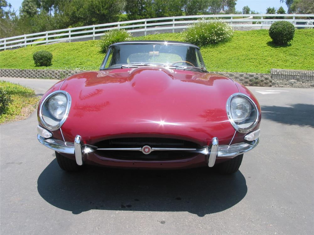 1964 JAGUAR XKE ROADSTER - Rear 3/4 - 20214