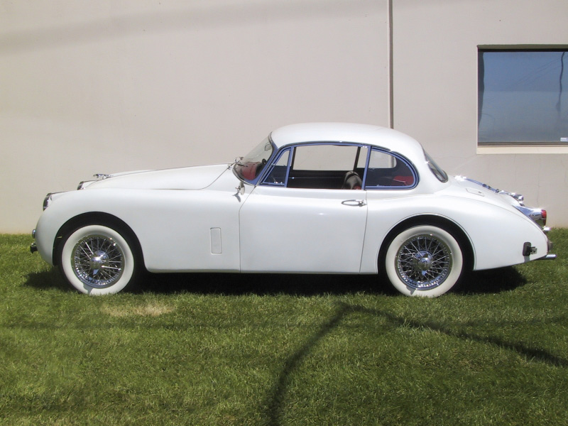 1961 JAGUAR XK 150 SE 3.8 COUPE - Side Profile - 20220