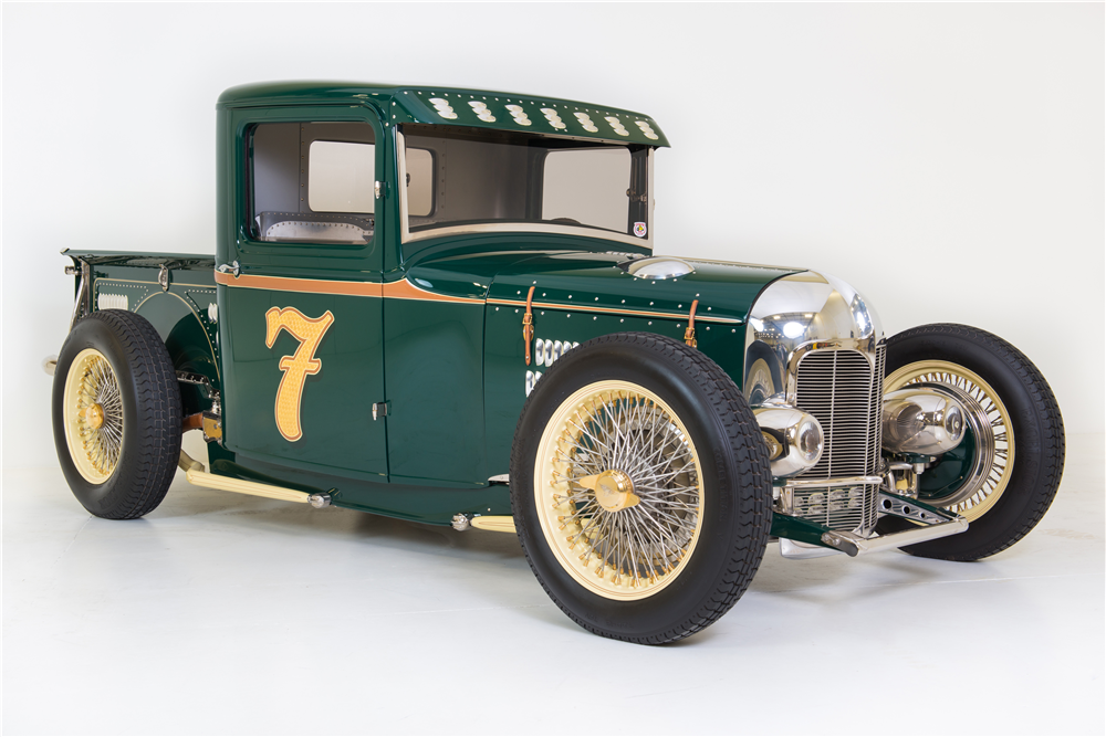 1932 FORD CUSTOM PICKUP - Front 3/4 - 202280