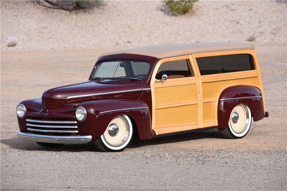 1947 FORD CUSTOM WOODY WAGON - Front 3/4 - 202315
