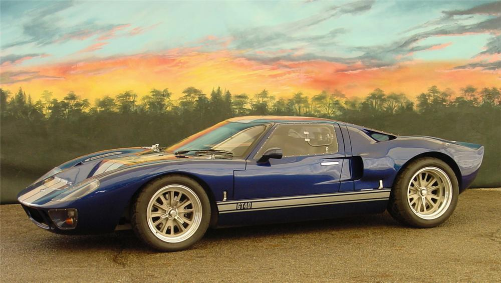 1966 FORD GT40 RE-CREATION COUPE - Front 3/4 - 20232