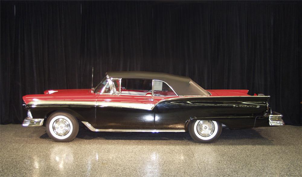 1957 FORD FAIRLANE 500 CONVERTIBLE - Side Profile - 20249