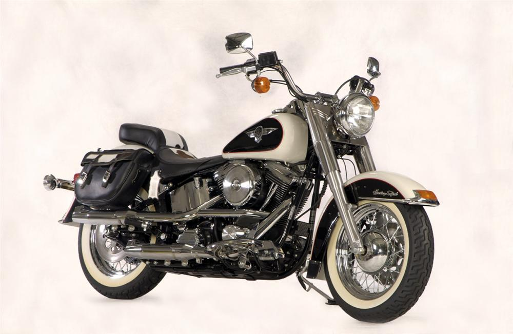 1993 HARLEY-DAVIDSON COW GLIDE MOTORCYCLE - Front 3/4 - 20260