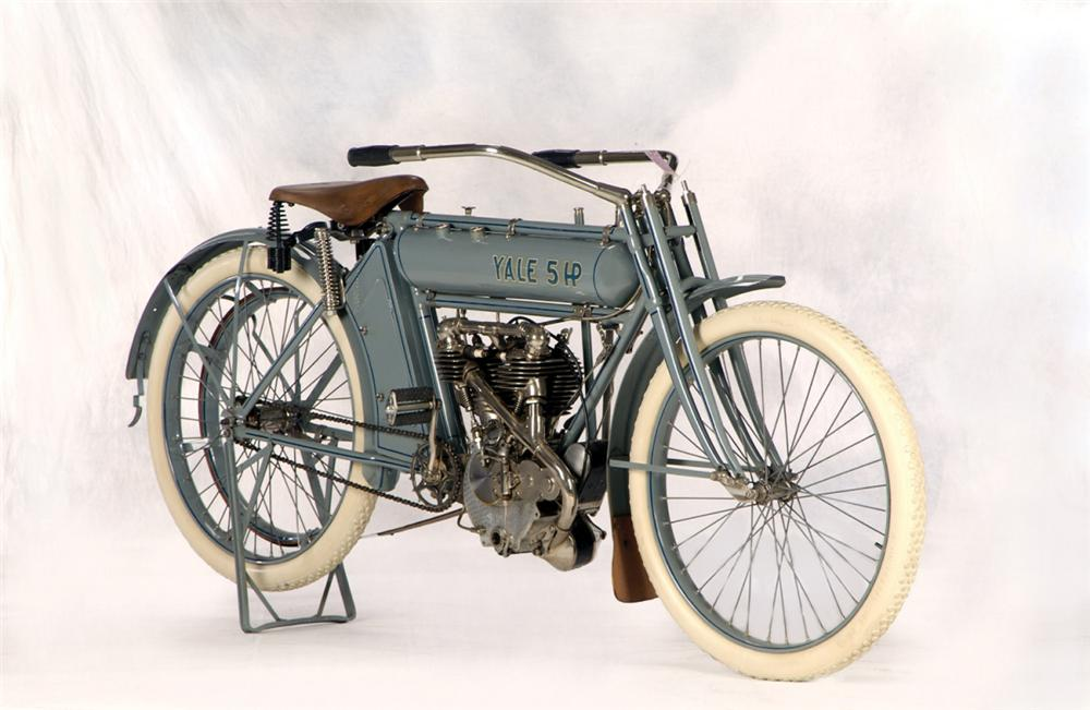 1912 YALE MOTORCYCLE - Front 3/4 - 20264