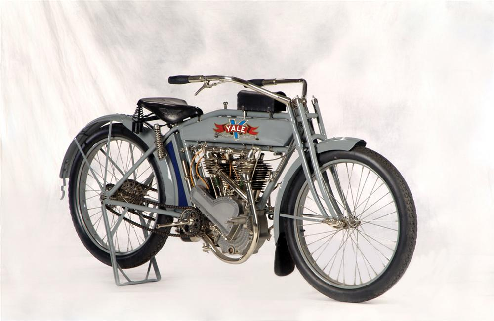 1914 YALE MOTORCYCLE - Front 3/4 - 20266