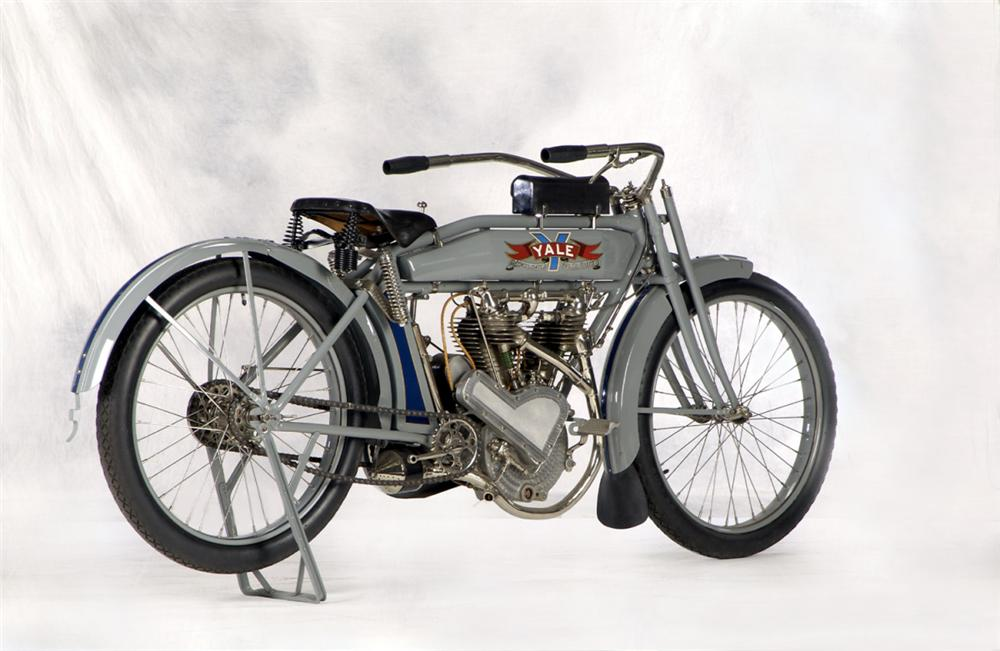1914 YALE MOTORCYCLE - Rear 3/4 - 20266