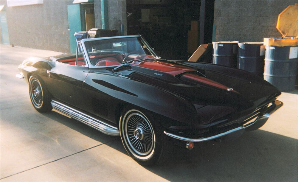 1967 CHEVROLET CORVETTE 427/435 CONVERTIBLE - Front 3/4 - 20285