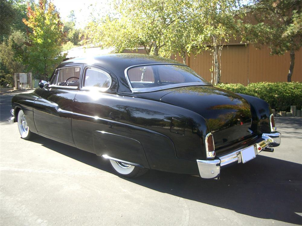1951 MERCURY CUSTOM 2 DOOR HARDTOP COUPE - Rear 3/4 - 20309
