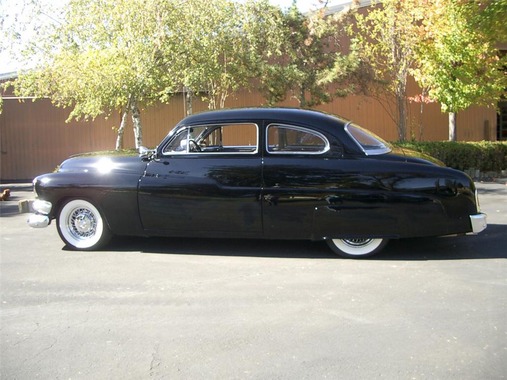 1951 MERCURY CUSTOM 2 DOOR HARDTOP COUPE - Side Profile - 20309