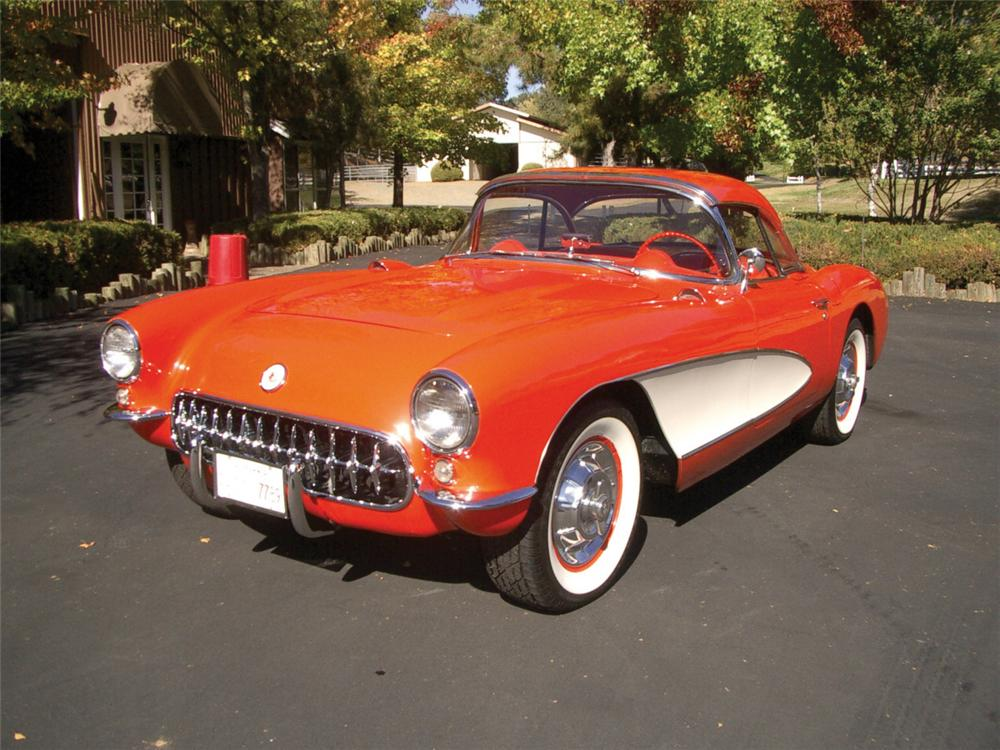 1957 CHEVROLET CORVETTE CONVERTIBLE - Front 3/4 - 20323