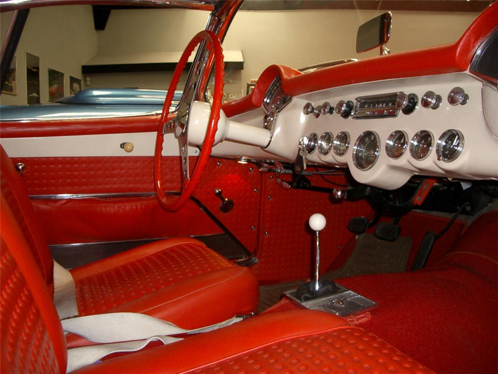 1957 CHEVROLET CORVETTE CONVERTIBLE - Interior - 20323