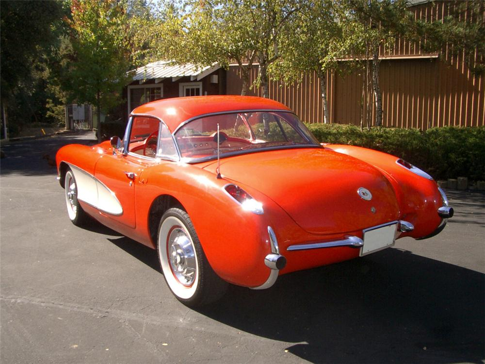 1957 CHEVROLET CORVETTE CONVERTIBLE - Rear 3/4 - 20323