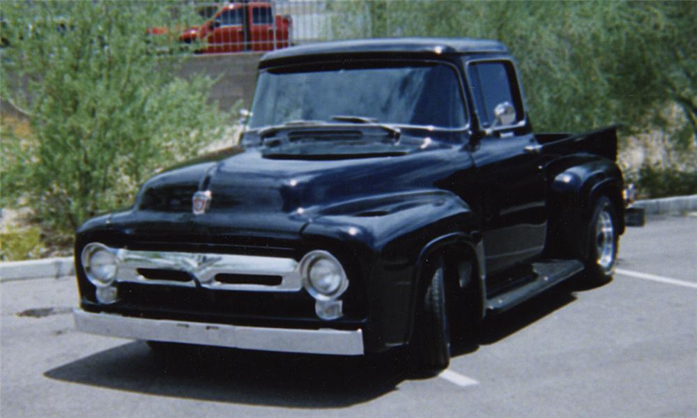 1956 FORD F-100 PICKUP - Front 3/4 - 20335